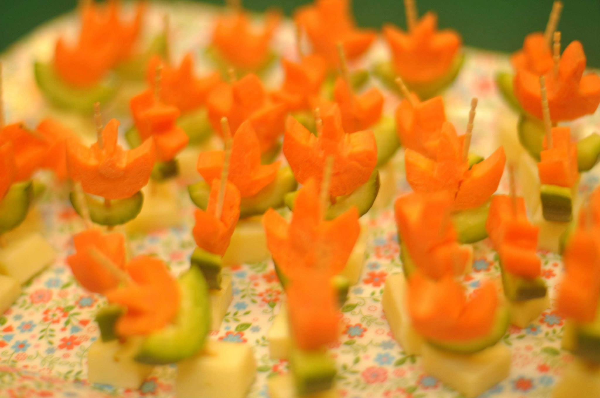 Carrot-Cucumber Flowers for Kids