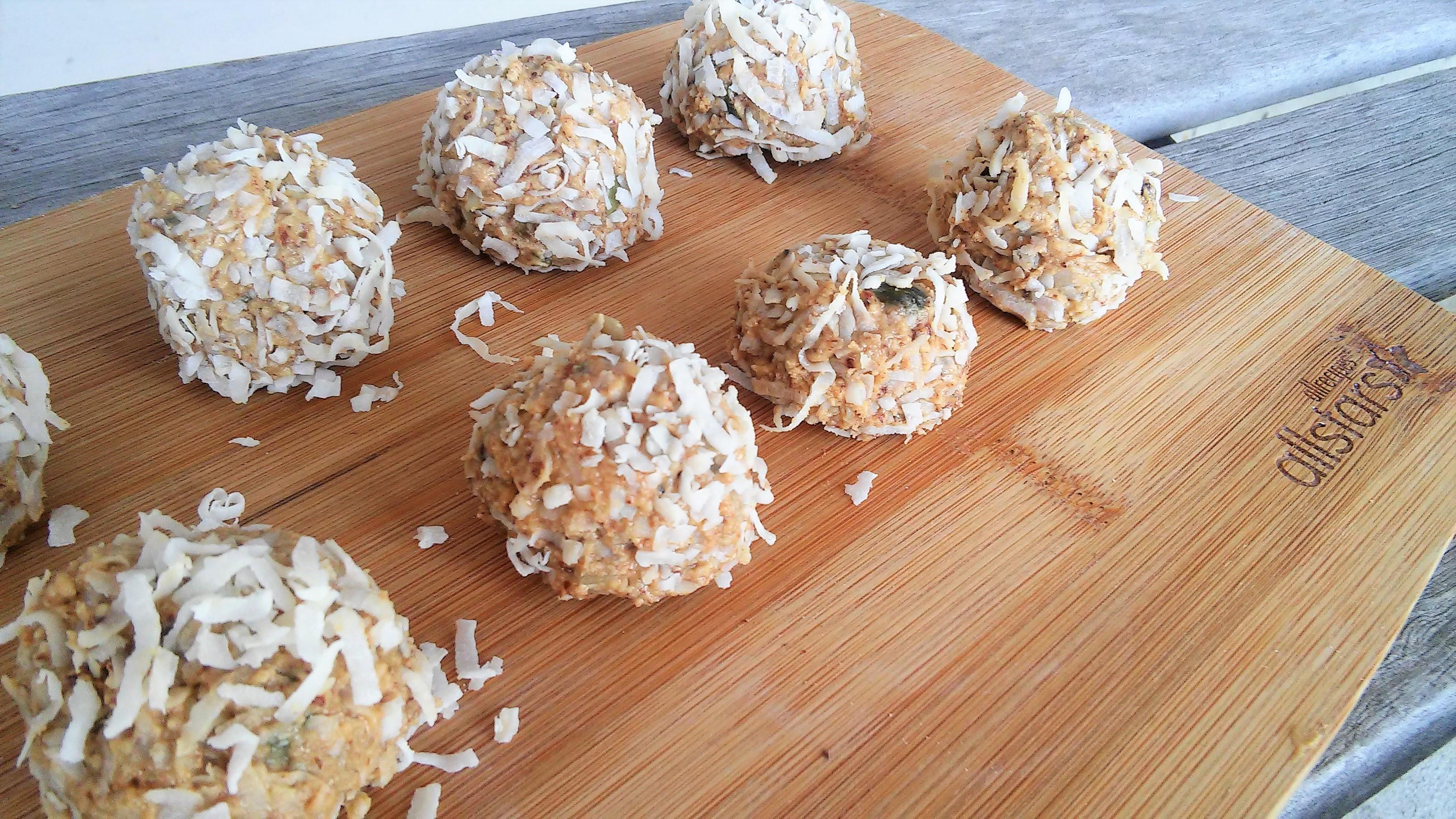 Healthy Sweet Peanut Butter Balls